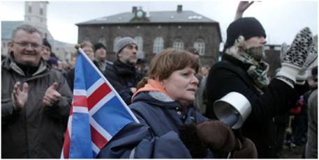 Islandia decide en referéndum una nueva Constitución propuesta por sus ciudadanos
