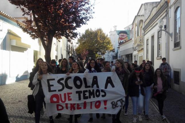 protesto-em-beja-a-que-se-juntaram-os-estudantes-de-moura