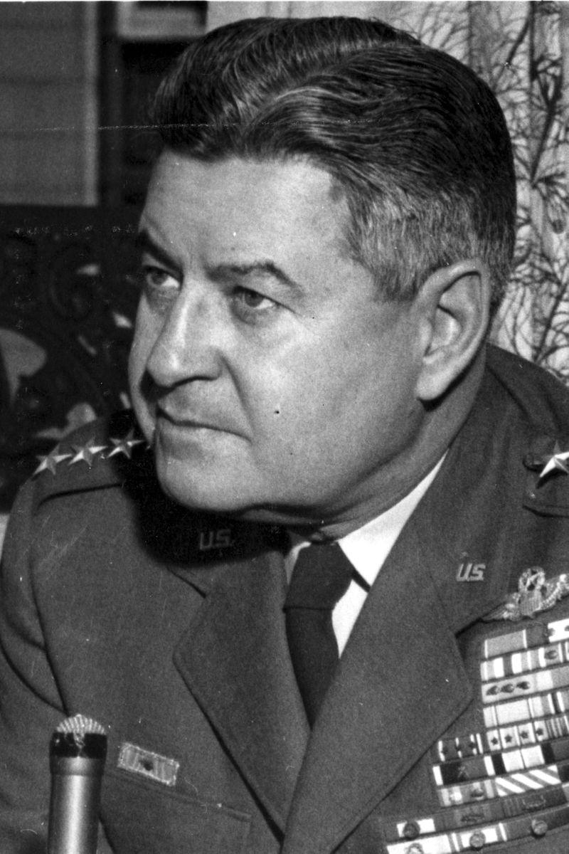 Curtis E. LeMay durante la Guerra Fría como Jefe del SAC (Strategic Air Command, Mando Aéreo Estratégico) de la Fuerza Aérea de EE UU