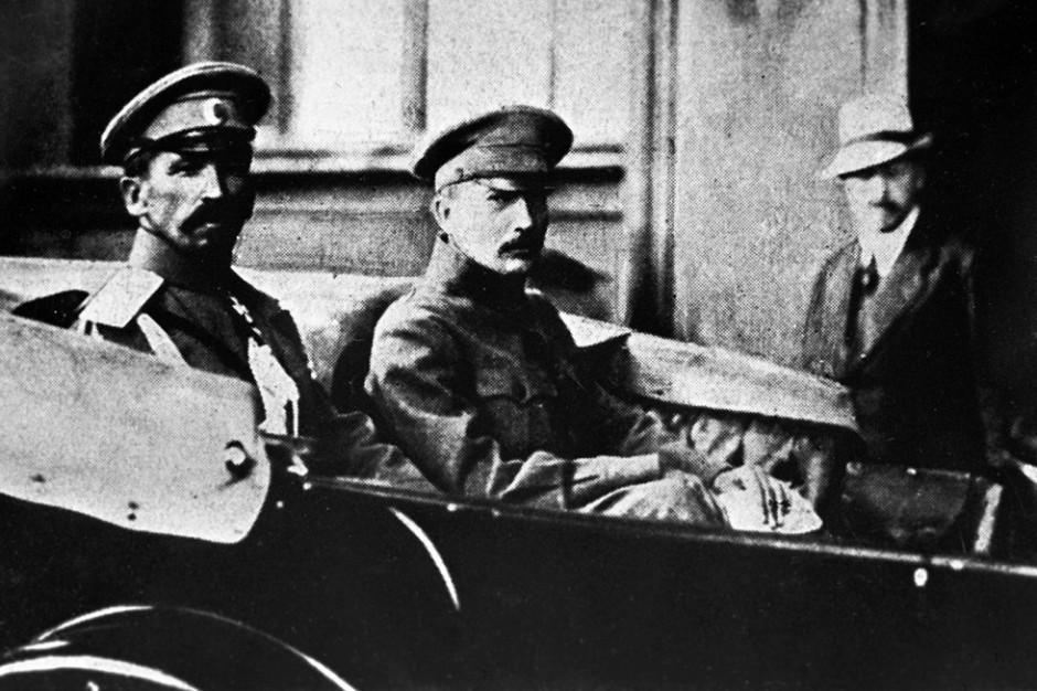 General Kornílov y Borís Sávinkov