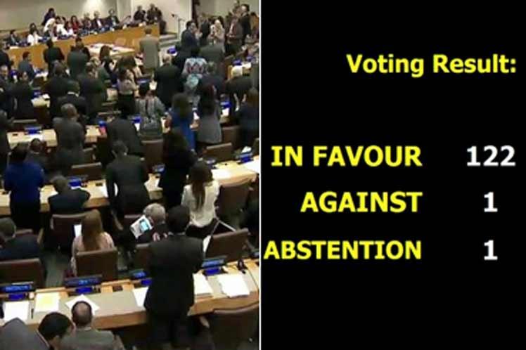 Tratado que prohíbe armas nucleares se adopta en ONU por voto