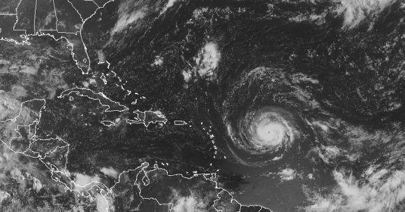Irma es un huracán con una fuerte estructura